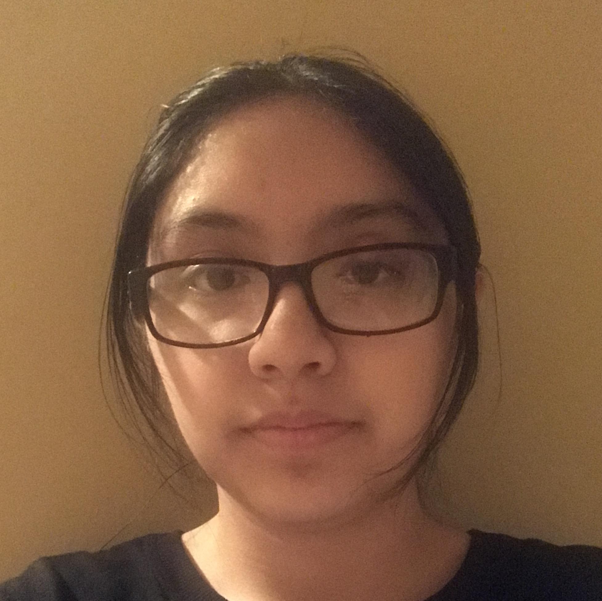 Student Deysi Sanisaca headshot
