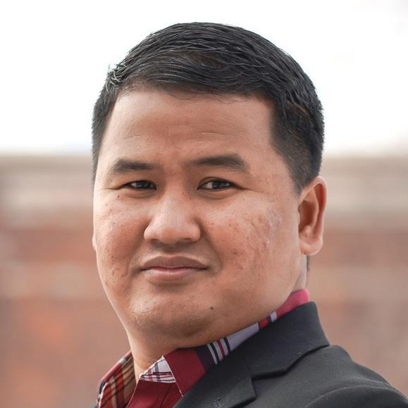 ThreeSixty Program Manager Dymanh Chhoun tight headshot.