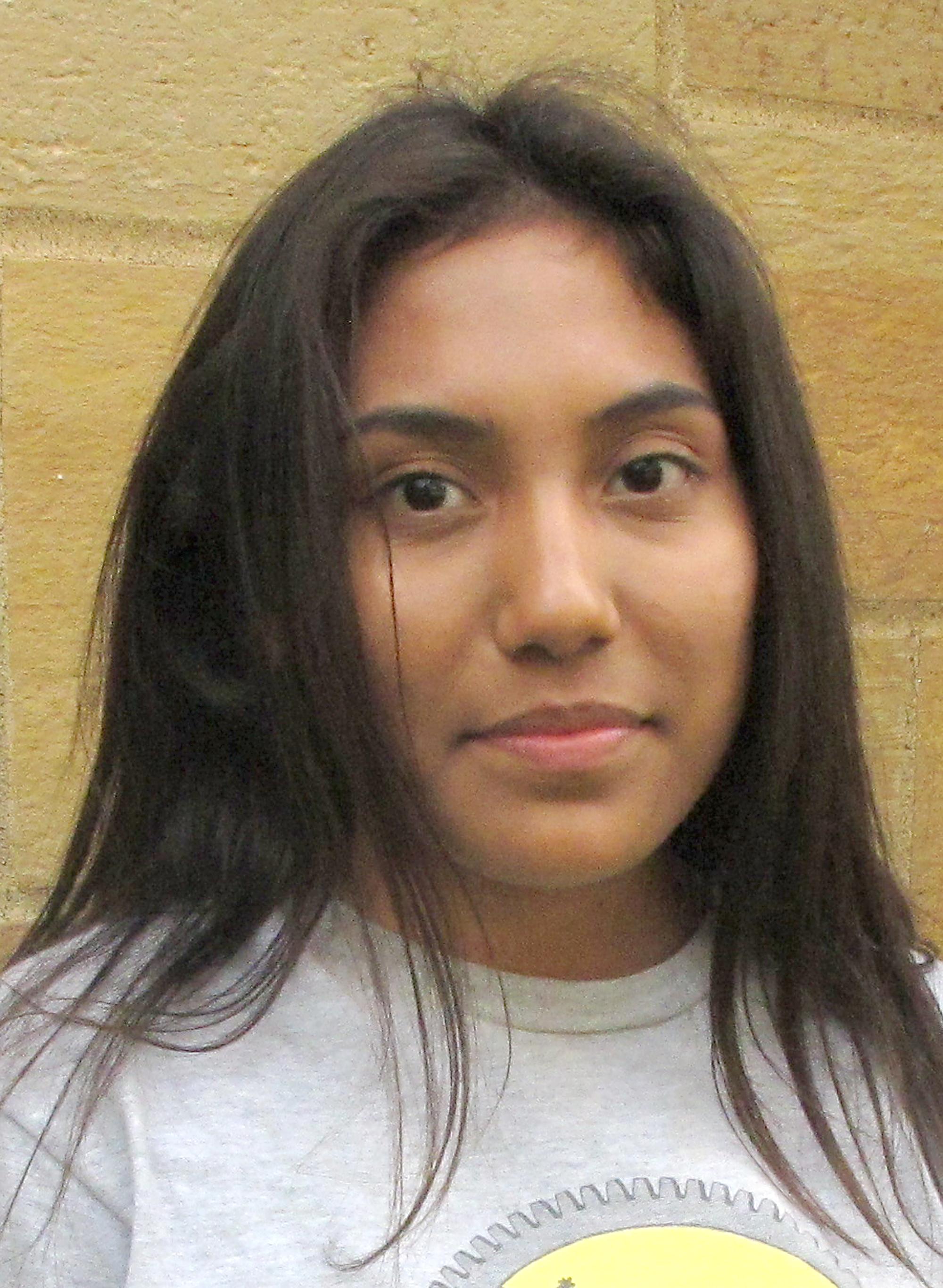 Melisa Robles Olivar, article author, headshot