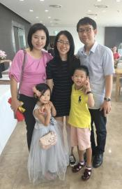 Mina Yuan and her host family